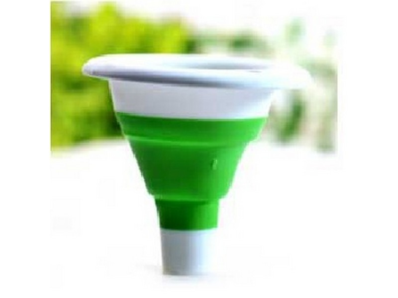 Kai Carrier Collapsible Funnel